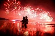 Chùm ảnh pháo hoa trên biển tuyệt đẹp