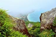 Có Một Côn Đảo Đẹp Rực Rỡ Nhìn Từ Đỉnh Núi Yên Ngựa