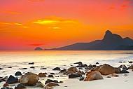 Du lịch Côn Đảo: Côn Đảo tinh khôi khi bình minh