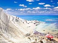 Những bãi biển đẹp và độc nhất trên thế giới phần 1