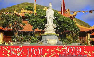 Tết Dương lịch 2019 xin lộc cầu tài tại Chùa Núi Một