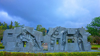 Trở về viếng thăm Nghĩa Trang Hàng Dương